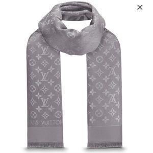 Louis Vuitton Accessories - Louis Vuitton shine shawl